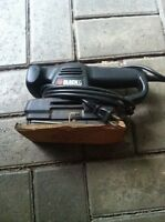 SABLEUSE BLACK  & DECKER