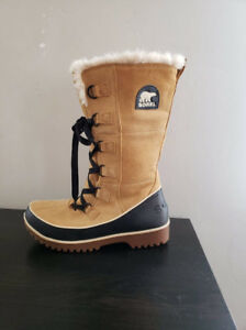 SOREL WOMENS WINTER BOOTS size 9