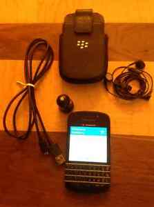 (2) Blackberry's A Q10 & A Blackberry Curve 3G - NO CONTRACT