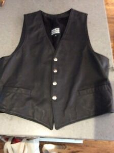 Women's leather riding vest with snaps