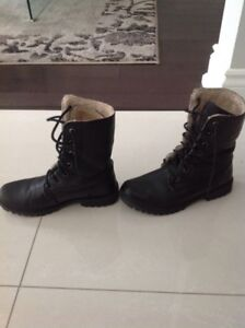Roots boots size 8