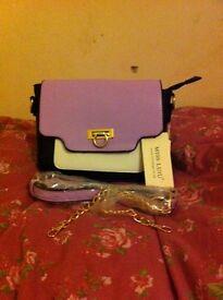 Last few colours left in this handbag design