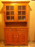 Pine table and chairs and hutch