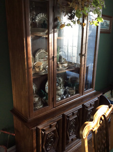 1960's Dining Set: Table, 3 Leaves, 6 Chairs, 2 pc Buffet/Hutch