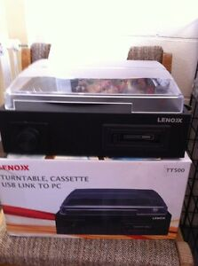 Lenoxx TT500 record player turntable, cassette, USB near new Midway Point Sorell Area Preview