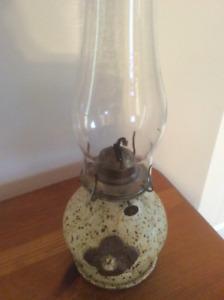 Lampe à l'huile élégante en poterie par artisan de Québec