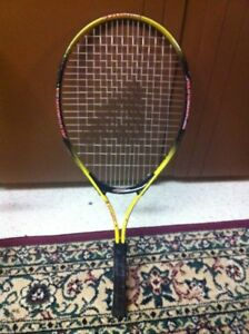 Atomica tennis racket (black and yellow)