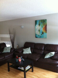 *****Awesome DUPLEX in Thickwood**