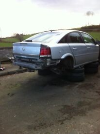 08 Vauxhall Vectra CDTI 120 for breaking