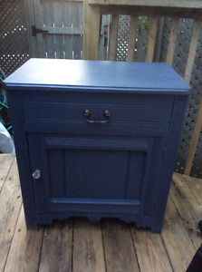 Vintage Painted East Lake washstand