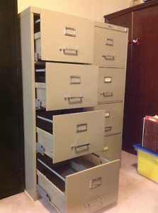 Filing Cabinet - 4 drawer vertical legal with lock and key
