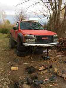 PARTING OUT - 2004 GMC Canyon Pickup Truck