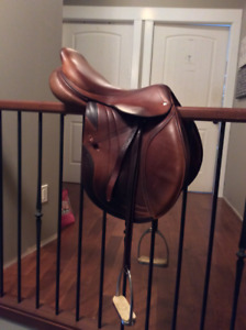 2012 Close Contact CWD SE02 Saddle