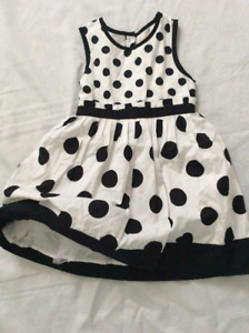 3T mint condition polka dotted dress