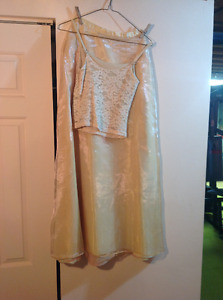 Gold colour tank top and skirt
