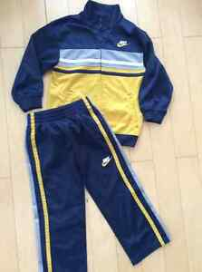 NIKE boys warm up suit size 5