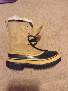 Sorel Caribou boots Size 8 Peterborough Peterborough Area image 1