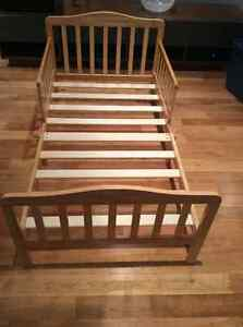 """Toddler Bed for sale by """"Dream on Me"""" West Island Greater Montréal image 1"""