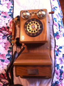 Reproduction Antique Style Wall Telephone