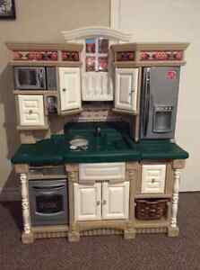 Play kitchen with plastic food Peterborough Peterborough Area image 1