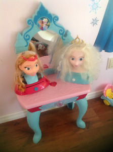 Frozen musical lightshow vanity with dress up heads