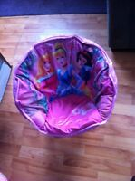 Princess bucket chair