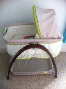 Summer infant bassinet