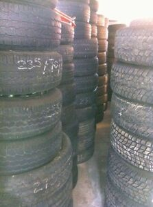 Tires 265/70/17'' @ 75% New  (514) 991-3317 James
