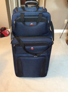 """Swiss Gear 28"""" Upright Suitcase and matching Tote"""