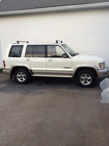 1999 Isuzu Trooper LIMITED SUV, Crossover