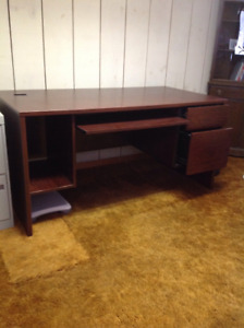 Large desk with 2 drawers