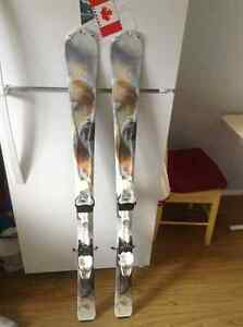 2 pairs of downhill skis ! Good condition !