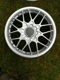 Assortment of single audi alloys