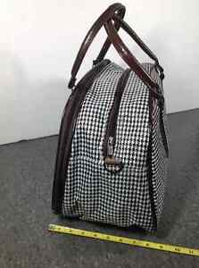 Houndstooth design travel bag with feet Cambridge Kitchener Area image 2