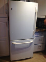 "GE 30"" 19.5 cu ft fridge"