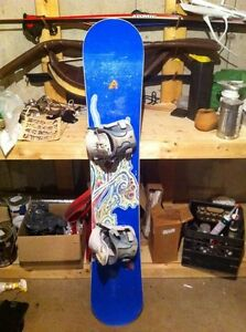 Snowboard 154 cm with bindings and bag