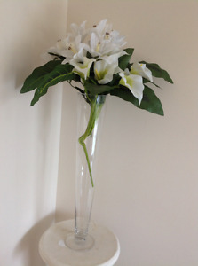 BIG VASE WITH BEAUTIFUL WHITE FLOWERS HIGHT 55cm