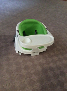 Excellent condition feeding chair