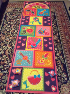 Hopscotch mat for indoor active play