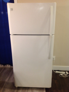 18.2 cuft KENMORE REFRIGERATOR LIKE NEW in. London