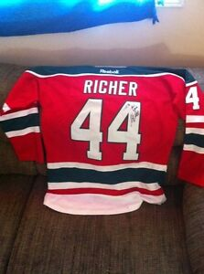 Autographed game worn jersey (95 Stanley cup)