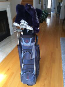 Superbe ensemble sac et bâtons de golf de qualité pour golfeuse