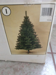 Christmas tree 6 1/2 ft.  with decorations .. no lights  .. pick