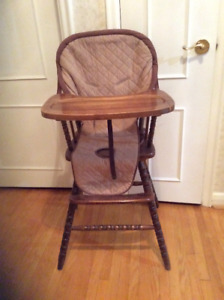 ALL WOOD TODDLER HIGH CHAIR