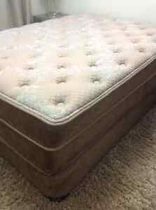 Queen size bed and boxspring