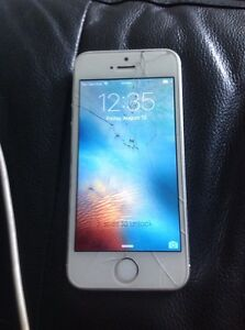 iPhone 5s locked telus $150 or trade with unlock Samsung s3