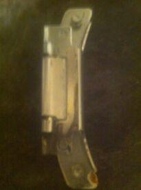 Indesit iwb5113 washing machine door hinge