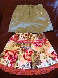 Excellent condition skirts size 3T