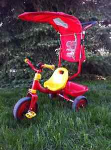 Tricycle Flash McQueen avec pare-soleil