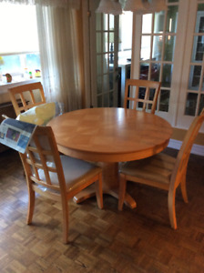 Dining Room Set   EXCELLENT CONDITION